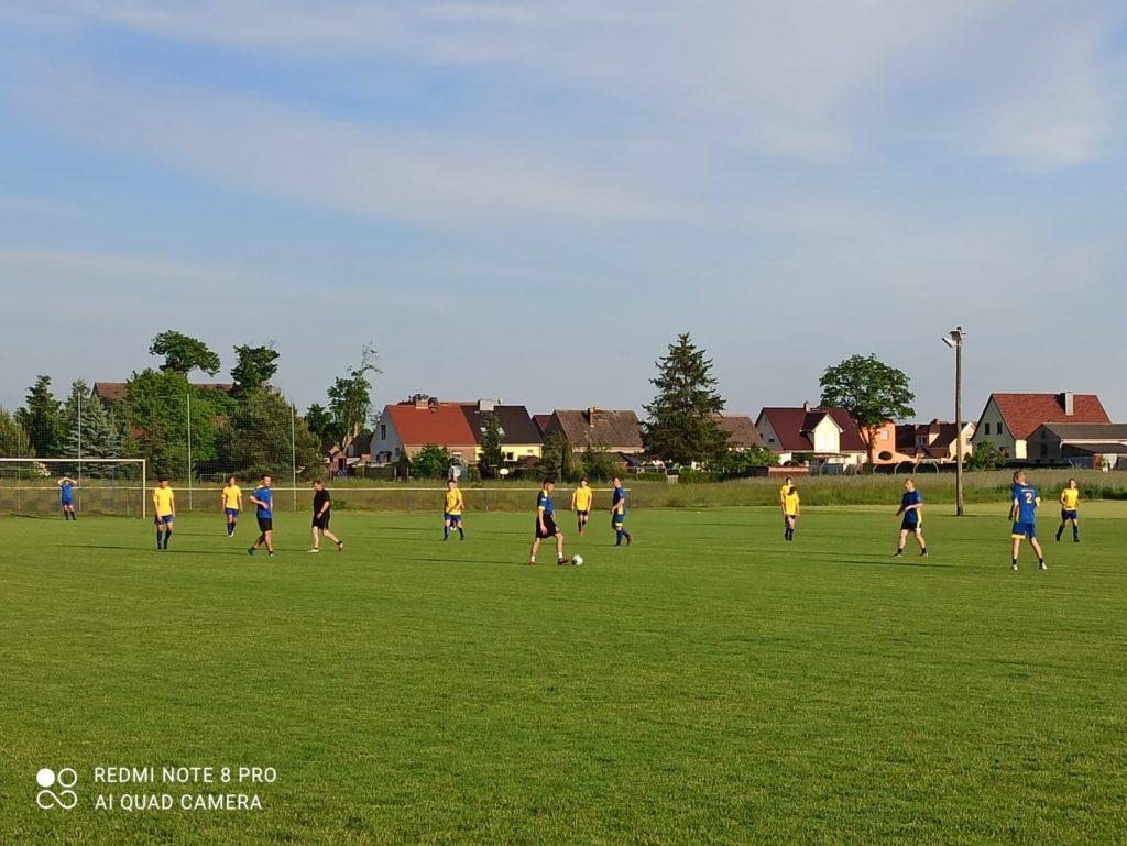 Trainingsspiel Männer gegen Junioren